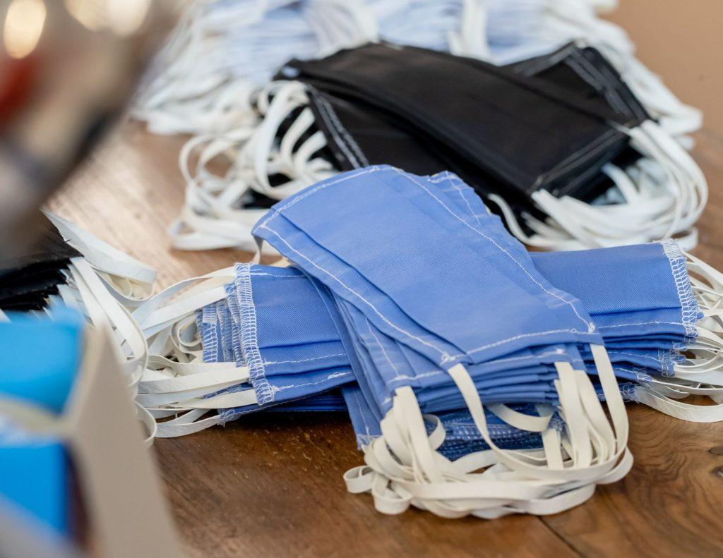 pile de masques bleus de CIT Dessaint Amiens